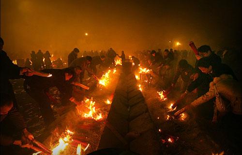 春节见闻:拜财神烧香?极惧震撼的烧火! 第3页|qudao168 渠道168;