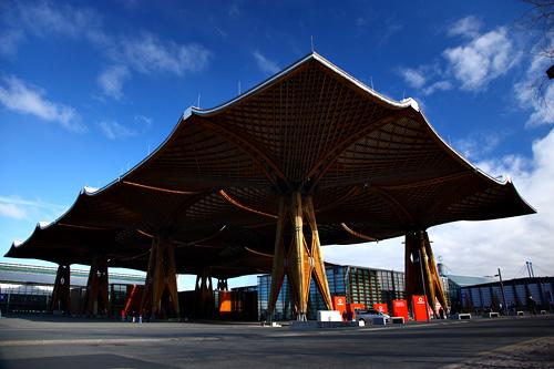 汉诺威/这是CeBIT展区内最有特色的一处建筑,全部由木质结构组成,...