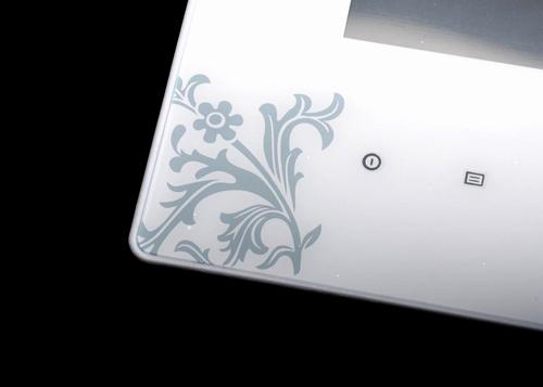 8010s数码相框边框上的花纹