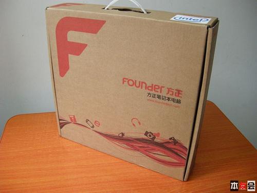 方正/1、机器开箱及初步印象在近几年各品牌机器的包装箱中,方正的...